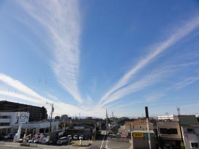 西の空の雲