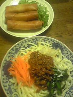晩御飯 2010.5.28 ジャジャ麺と春巻き