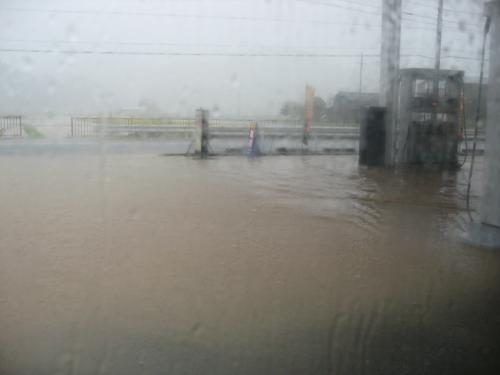 台風15号2011.9.20  某GS