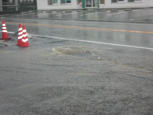台風15号2011.9.20  また違う某GS前