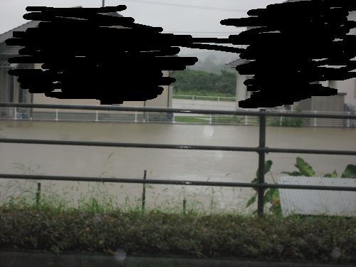 台風15号2011.9.20 某家 数分後