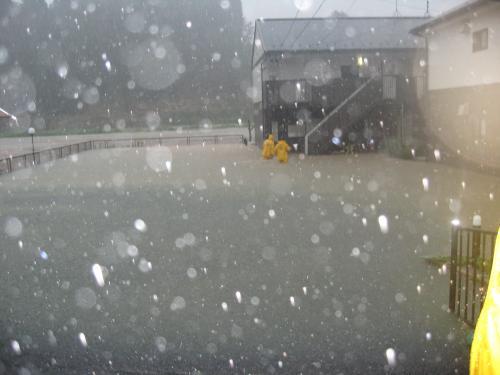 台風15号2011.9.20 某アパート 浸水