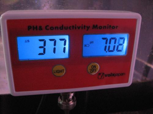 水換え前 PH 電導率