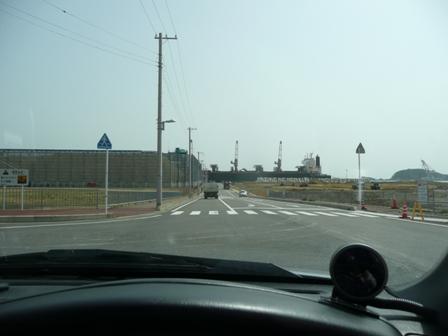 工業埠頭へ