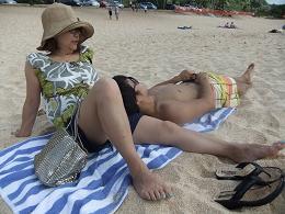 砂浜でミーティング