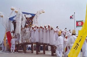 51珍島の海割れ祭
