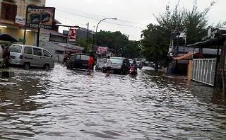 banjirdimakassar.jpg