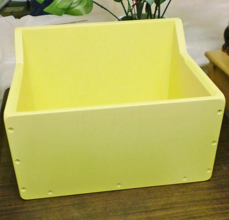 猫の巣箱 黄色