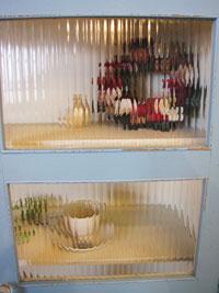 Re-design 白×水色 モールガラス入りキャビネット