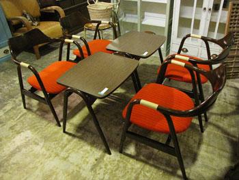 キツツキ アイガー ティーテーブル&アームチェア