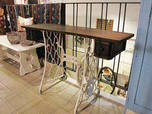 古材×ミシン脚 テーブル