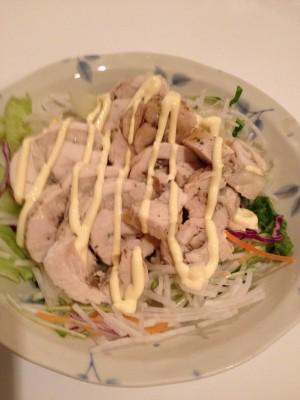 ロール鶏でサラダ