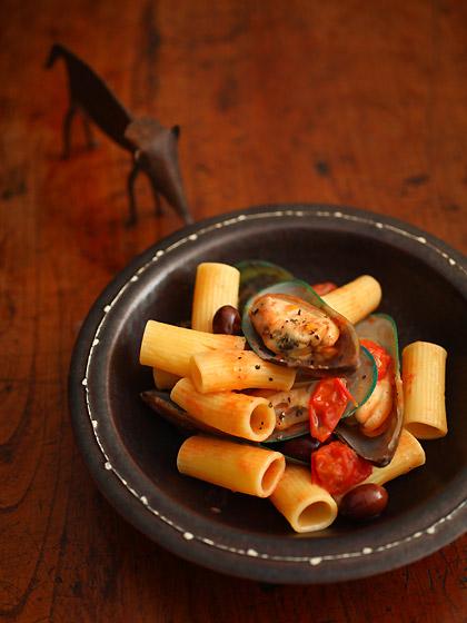 ムール貝とトマトのリガトーニ:象