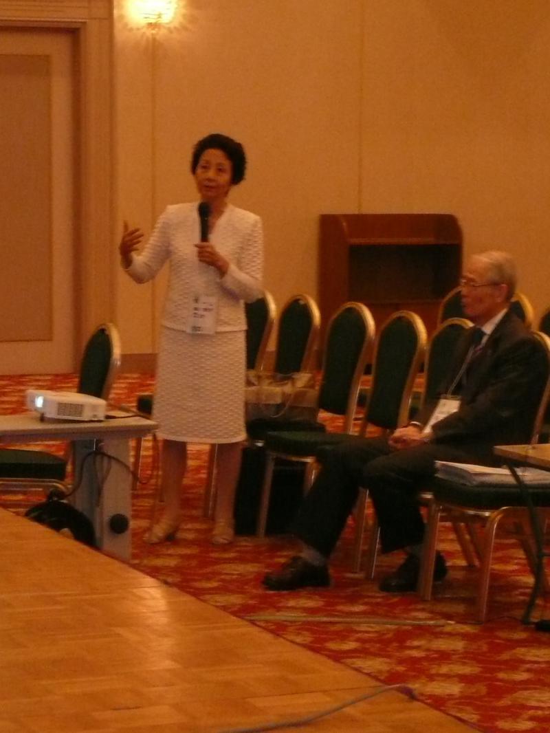 札幌女子ソフィア会講演会には細川代世子副会長と高祖理事長も参加した。