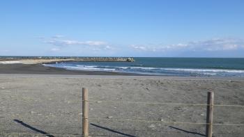 032一宮の海岸です、ここは一転穏やか