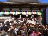 大本堂への列