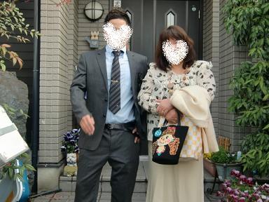 卒業式の日・・自宅前