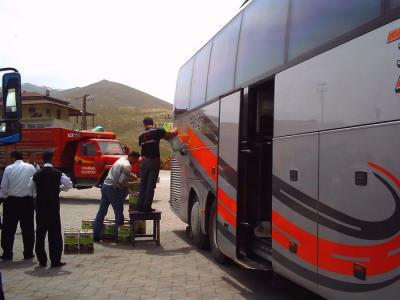 バスの給油