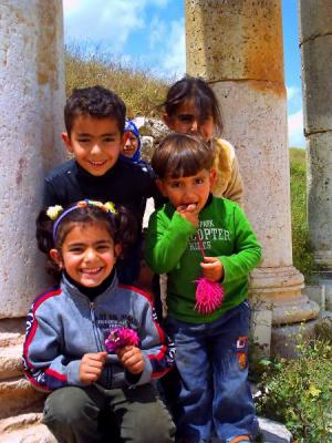 ジェラシュ遺跡の子供たち