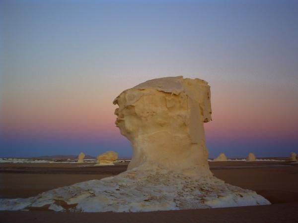 白砂漠の朝