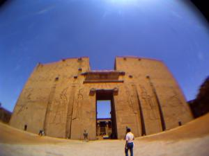 ホルス神殿にて 2