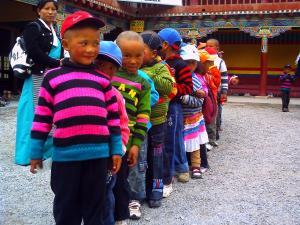 チベットの子供たち