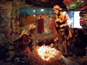 マリアが母乳をこぼした洞窟の教会