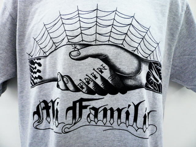DAY OF THE DEAD MI FAMILIA TEE
