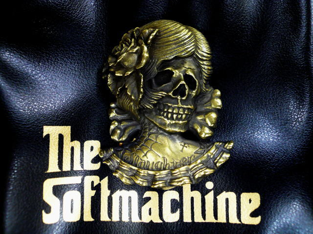 SOFTMACHINE EVA BADGE