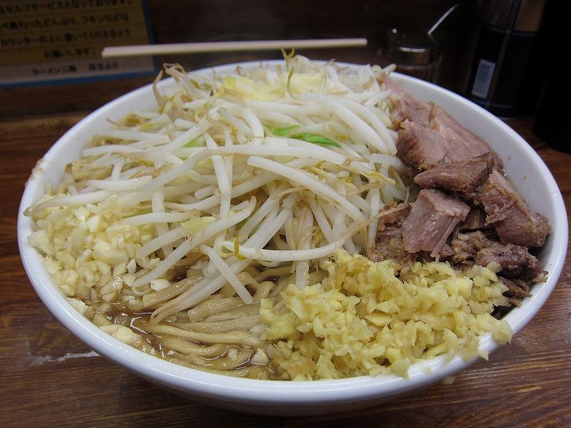 大ラーメン 麺カタメ しょうが ヤサイ少なめ ニンニク少し
