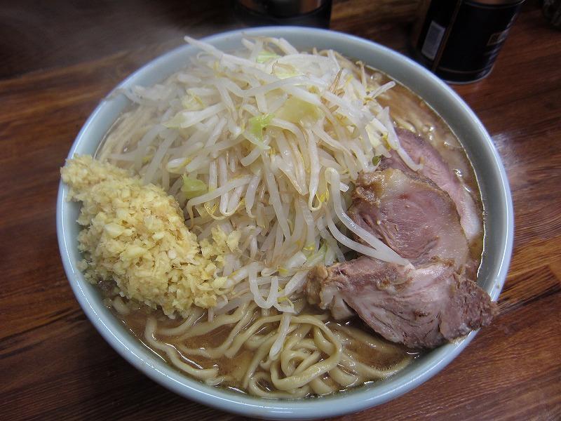 大ラーメン 麺カタメ しょうが ヤサイ少なめ