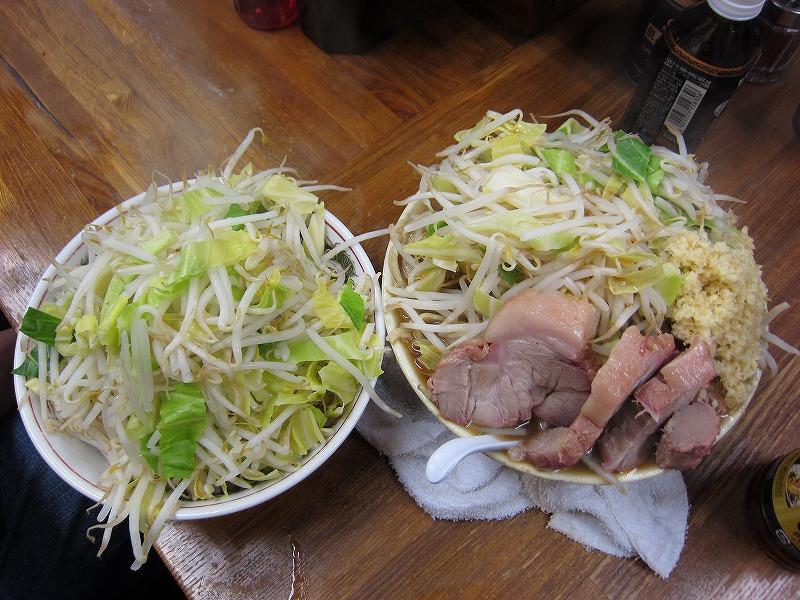 大ラーメン 麺カタメ しょうが ヤサイ カラメ