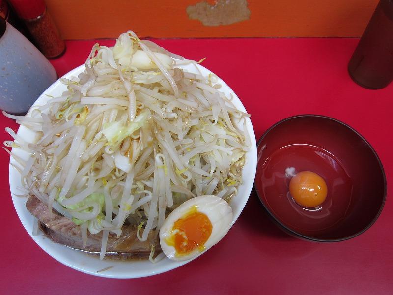 ラーメン中 麺カタメ なま玉子 ヤサイ1.5