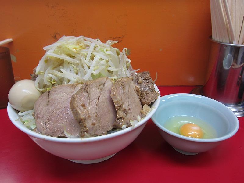 ラーメン中 麺カタメ なま玉子 豚W(スタンプカード使用)¥750+¥50