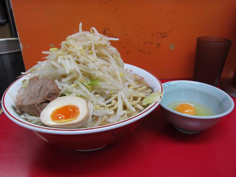 ラーメン大 麺増し500 麺カタメ なま玉子 ¥800 + ¥50