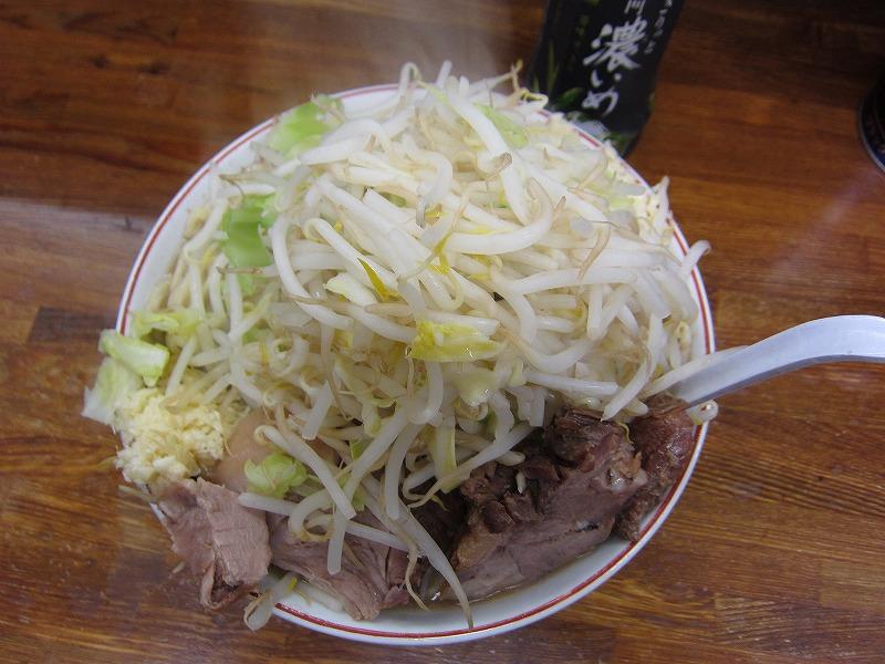 大ラーメン 麺カタメ ヤサイ ニンニク多め