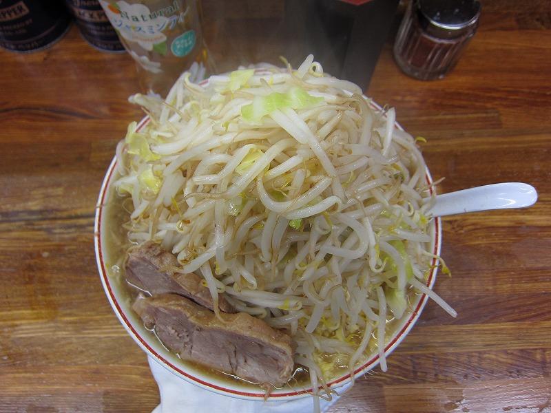 大ラーメン 麺カタメ しょうが ヤサイマシマシ カラメ