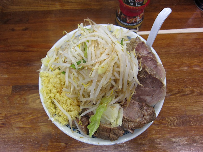 小豚 麺カタメ しょうが ヤサイ カラメ