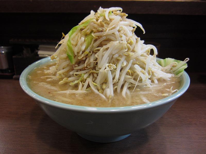 大盛りラーメン  麺カタメ  ¥800