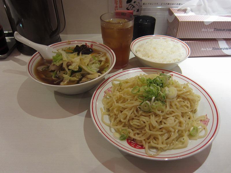 冷やしラーメン 麺特大 野菜大盛り 半ライス
