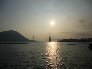 多々羅大橋の朝日