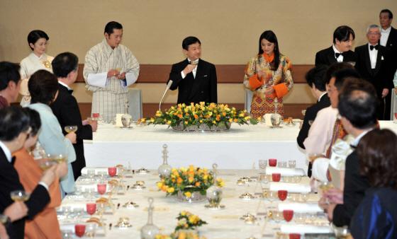 宮中晩さん会であいさつするブータンのジグメ・ケサル・ナムゲル・ワンチュク国王