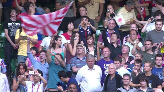 ロンドン五輪のサッカー3位決定戦(対韓国戦)で旭日旗を振っていたのも西洋人だった!