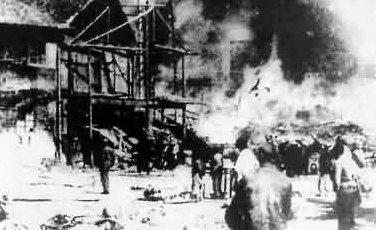 1938年11月13日、蒋介石の命令により支那軍が長沙市焼き払い(長沙大火Changsha fire)