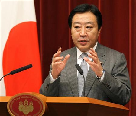 会見で記者の質問に答える野田佳彦首相=1日午後、首相官邸