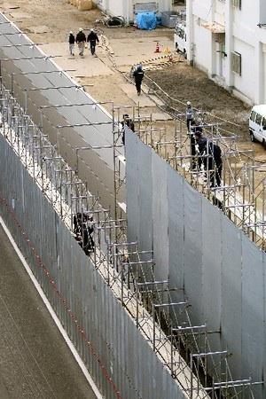 李国林受刑者が刑務所を脱獄。李国林受刑者が脱走した広島刑務所。現在は工事中の為、塀に足場が組まれていた。
