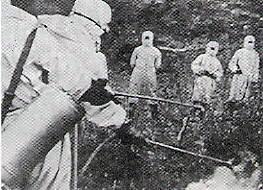 「朝鮮戦争でアメリカは細菌戦を行った!」と捏造するために、演出で防疫活動する支那の防疫隊