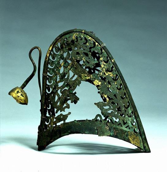 金銅製冠帽(熊本県・江田船山古墳出土)