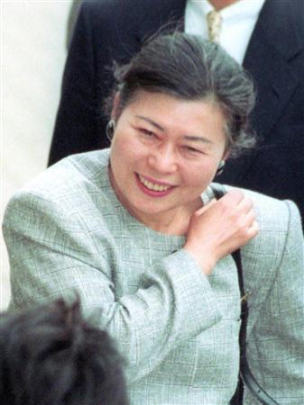 小沢氏の妻、和子さん