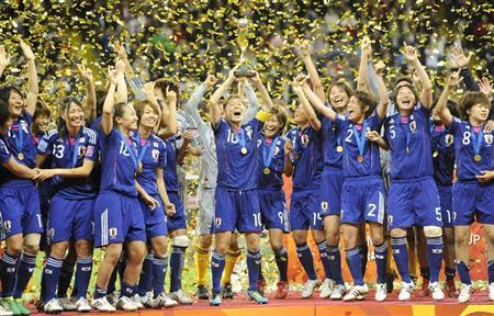 2011年7月18日、女子ワールドカップサッカー決勝戦を放送したフジテレビは、優勝した「なでしこジャパン」の表彰式をカット!